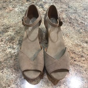 Women's Toms Wedge Shoes